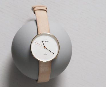 How To Identify A Watch Brand